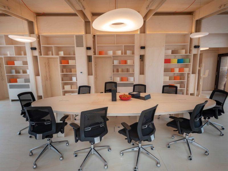 Canale Vigolungo Showroom Office: un lavoro di Vegliolux, un marchio del gruppo Idrocentro con prodotti Linealight 14