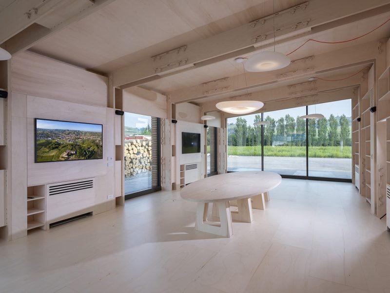 Canale Vigolungo Showroom Office: un lavoro di Vegliolux, un marchio del gruppo Idrocentro con prodotti Linealight 7