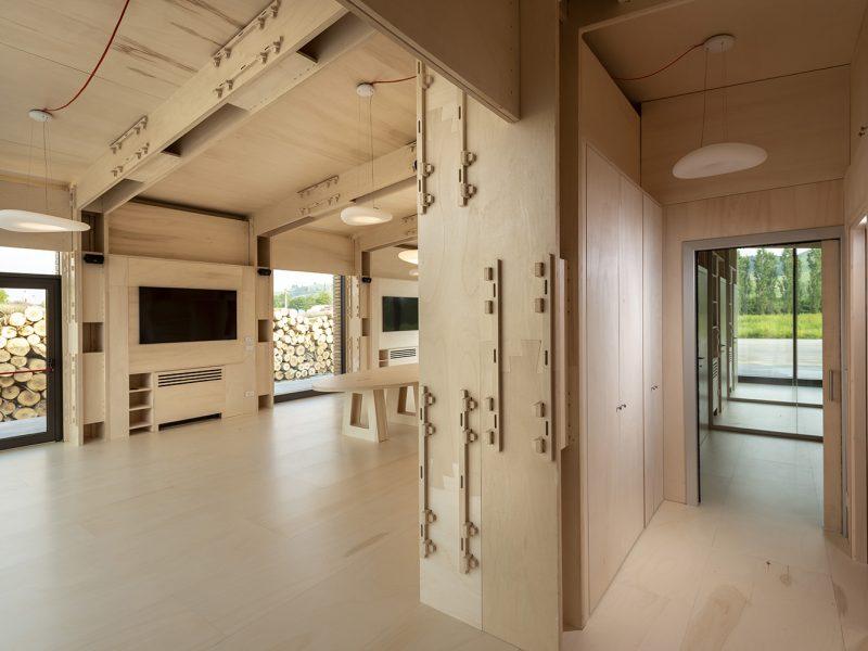 Canale Vigolungo Showroom Office: un lavoro di Vegliolux, un marchio del gruppo Idrocentro con prodotti Linealight 8