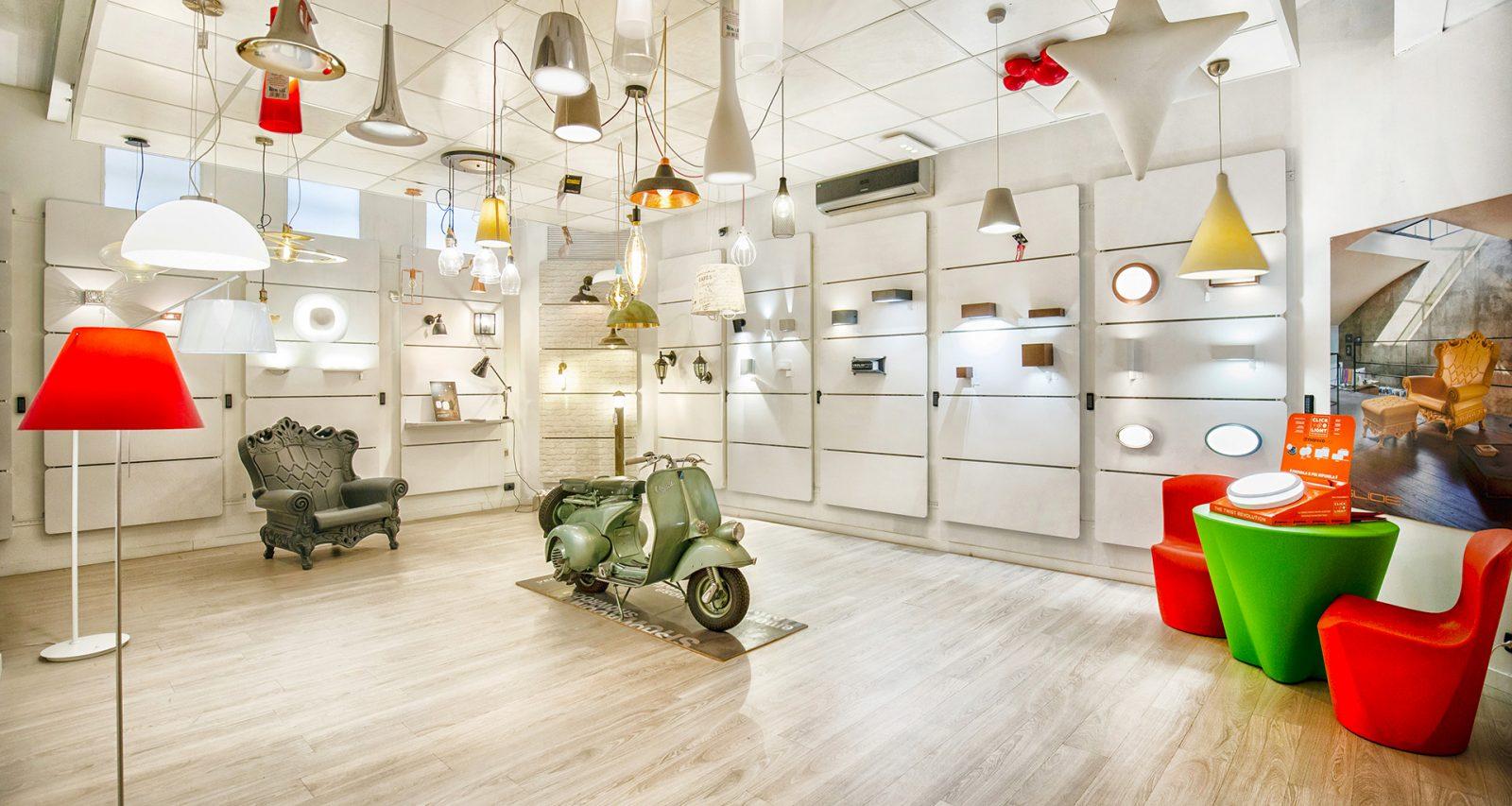 Decine di lampadari Torino tra cui scegliere nello showroom di Via Botticelli 2