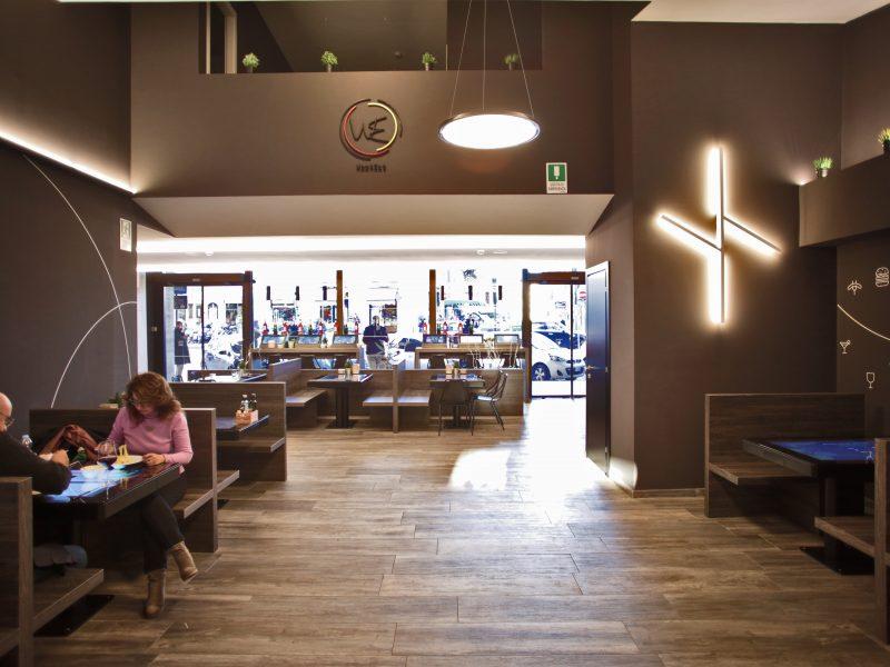 Work Eat Roma Stazione Termini: Veglio Aldo all'opera, gli esperti dell'illuminazione e dell'illuminotecnica Torino