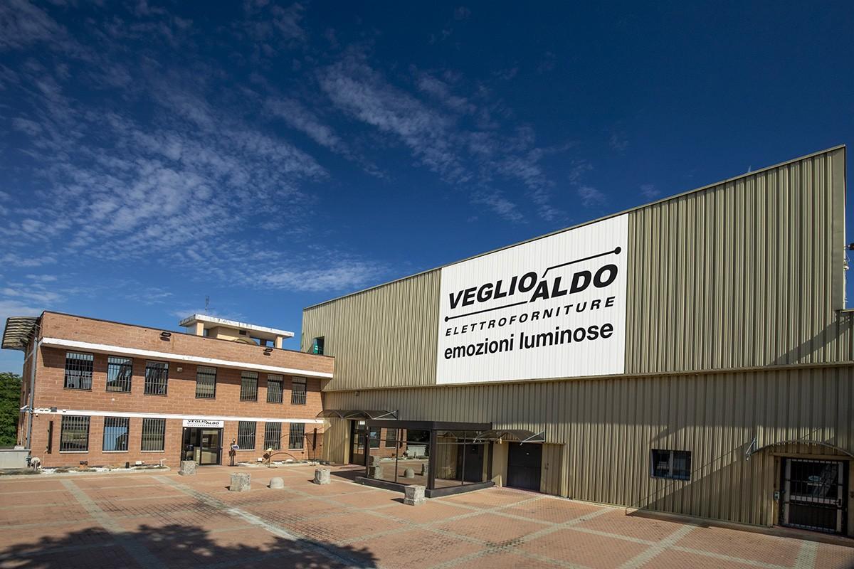 Veglio Aldo: sede centrale di Via Botticelli a Torino. Il posto dove trovare lampadari, lampade, led, plafoniere, elettroforniture e illuminazione