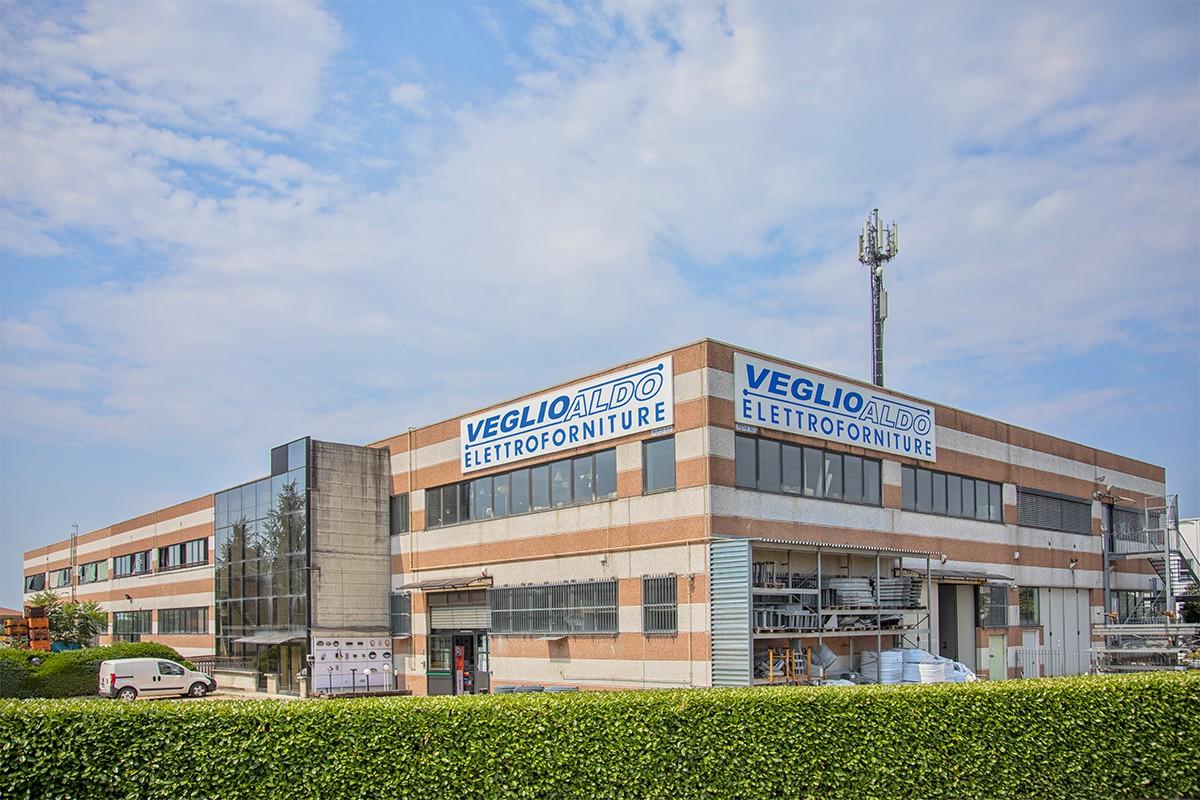 Veglio Aldo: sede di Via Venezia 12 a Volpiano. Il posto dove trovare lampadari, lampade, led, plafoniere, elettroforniture e illuminazione
