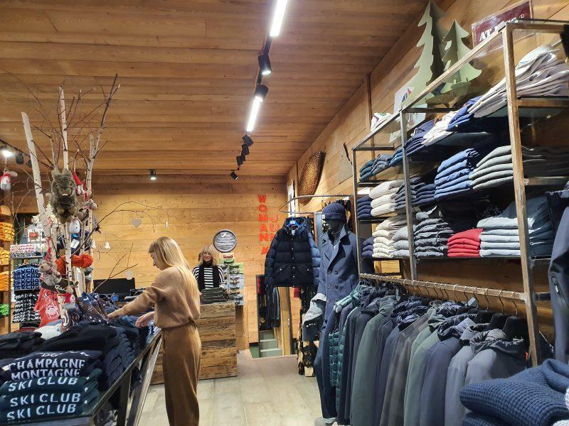 Un'illuminazione perfetta per il negozio 148 rdk realizzata da Veglio