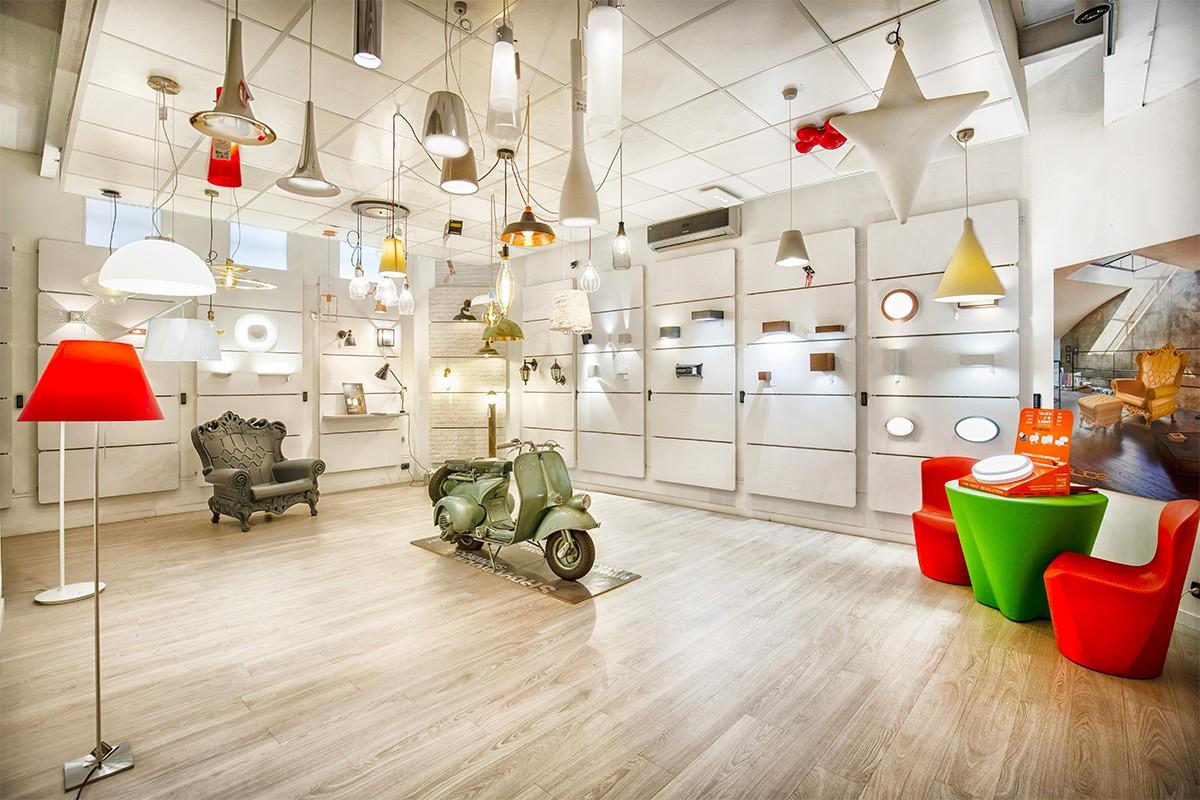 Decine di lampadari Torino tra cui scegliere nello showroom di Via Botticelli