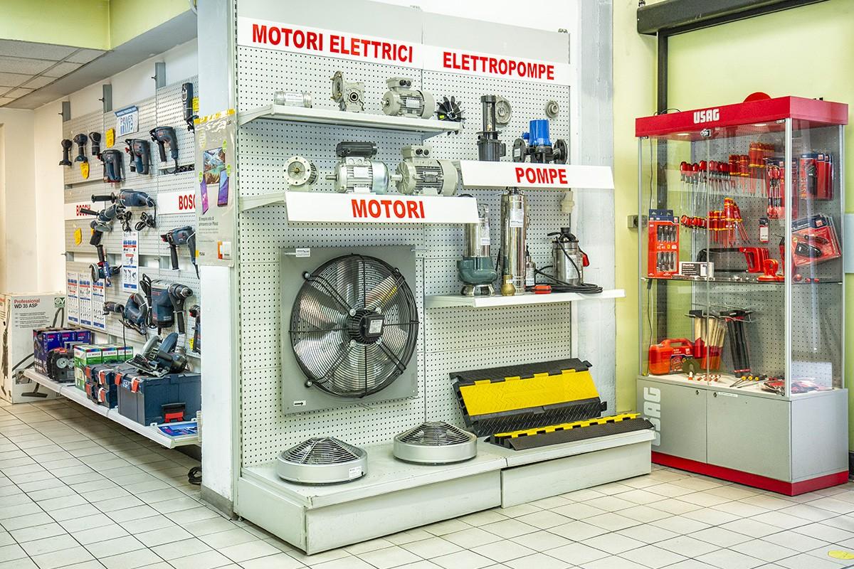 Motori elettrici, pompe e elettropompe: da Veglio Aldo in Corso Botticelli è possibile trovare anche strumentazione di grandi dimensioni