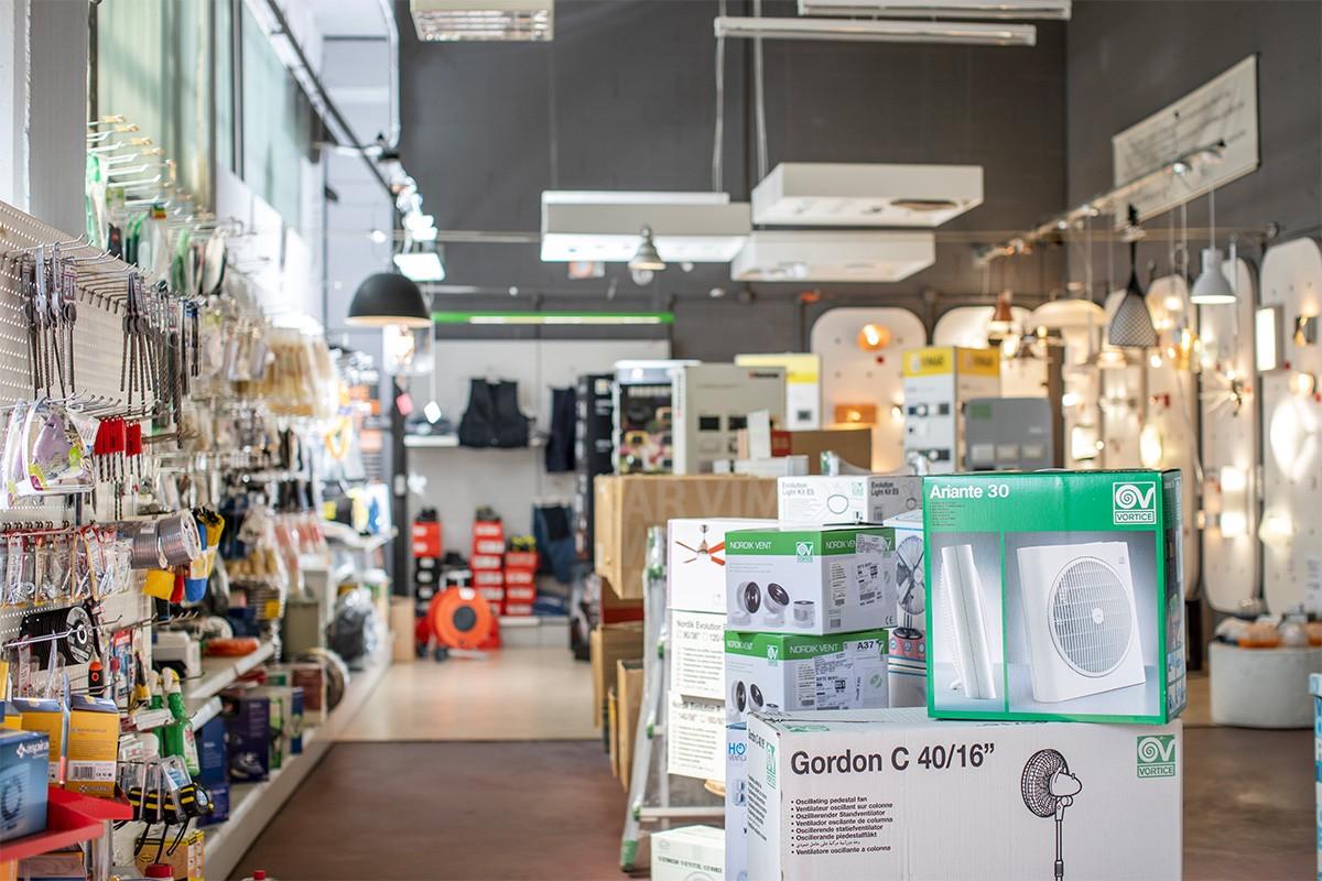 Nella sede di Veglio Aldo Volpiano c'è un enorme assortimento con tutte le migliori marche come Vortice, Urmet, Bticino