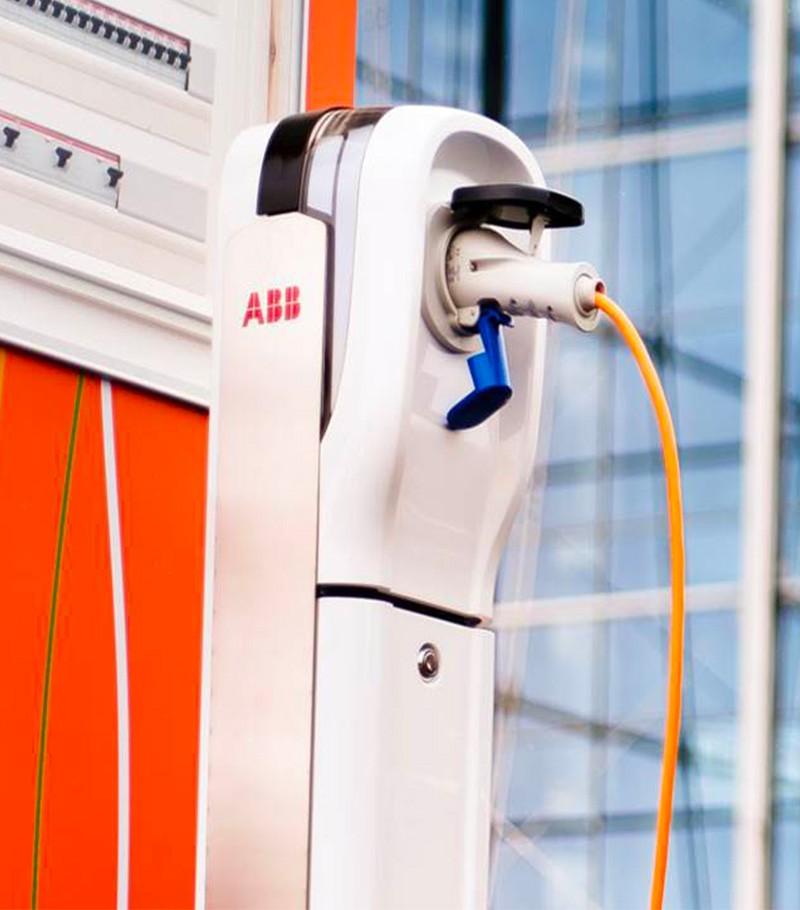 Abb: stazione di ricarica veicoli elettrici. L'e-mobility da Veglio Aldo a Torino